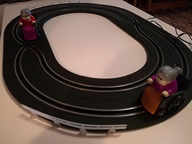 Tor wyścigowy, Geanny Racers, prezent.
