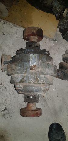 Silnik elektryczny  1.0kw 1360obr winda dźwig dwa wałki