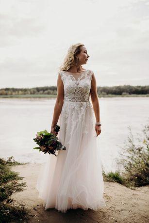 Suknia ślubna wycięte plecy