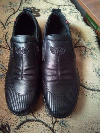 Продам туфли ботинки обувь Пиджак костюм школьный