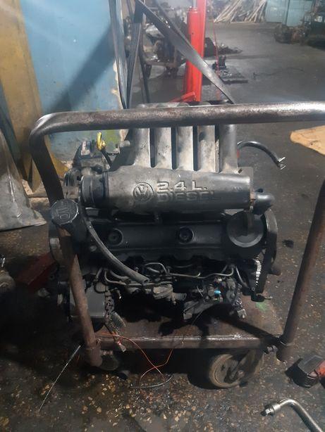 Мотор двигун вольцваген Т4 ААВ 2.4