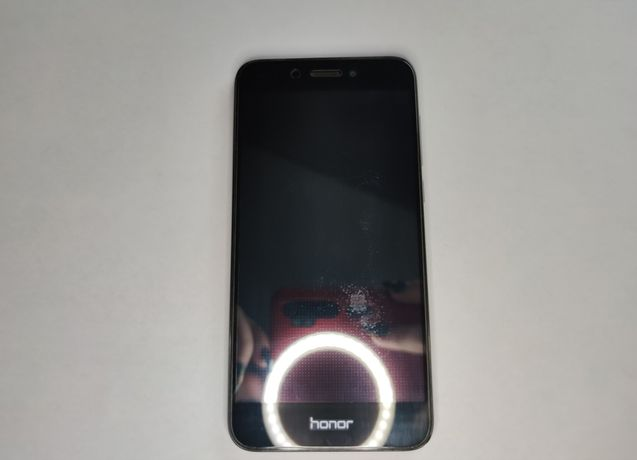 Продам телефон Honor 6A