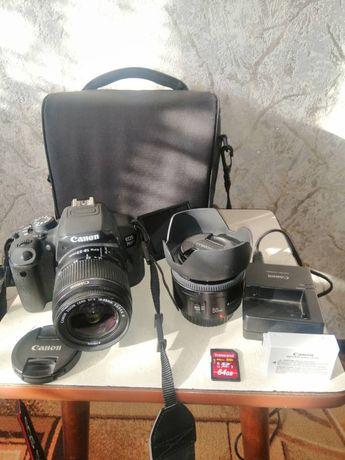 Фотоаппарат Canon 700d.Идеальное состояние.Сумка+флешка памяти.