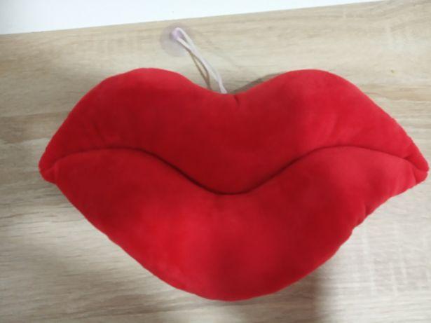 Almofada formato lábios