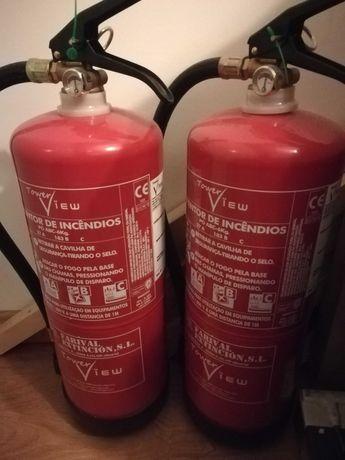 Conjunto dois extintores ABC 6kg + CO2 2kg