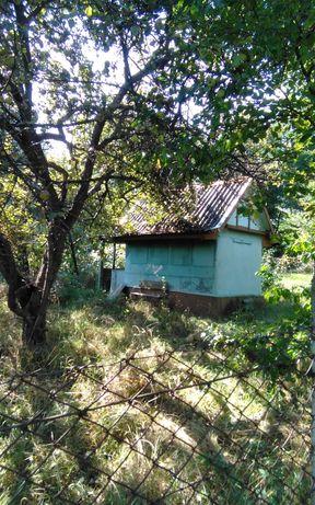 Земельна ділянка з будиночком терміново