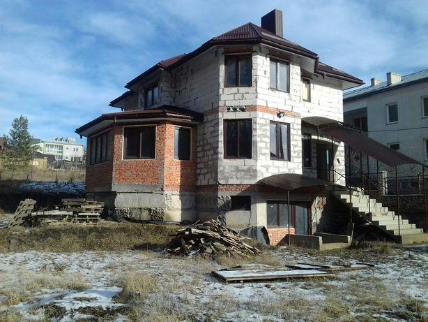Будинок с.Підгороднє вул.Подільська 68