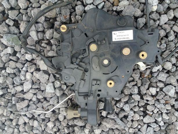 VW T5 zamek drzwi przesównych prawych 7H0.843.654.CK