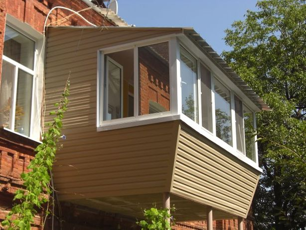 Ремонт балконов: расширение, обшивка, вынос, остекление, утепление