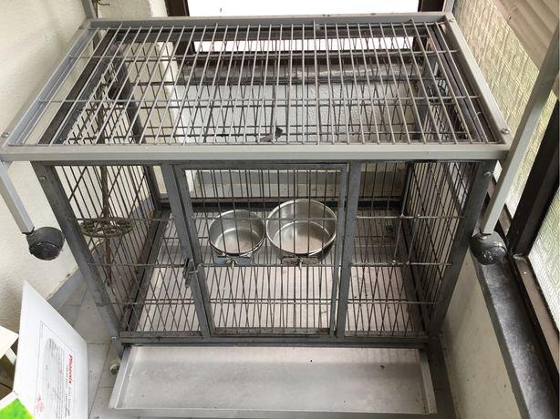 Gaiola ou jaula com tabuleiro em aluminio