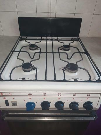 Продам печь газовую Веста