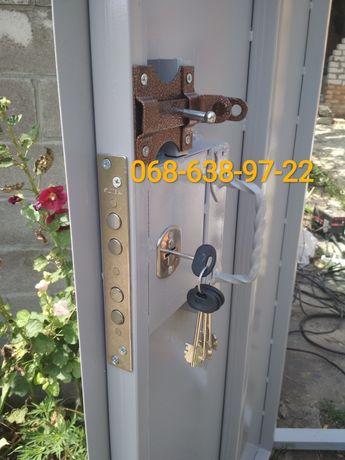 Установка, врезка, замена замков в гаражные ворота, двери, калитки.