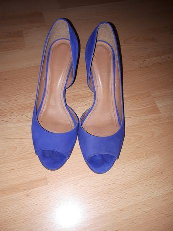 Niebieskie szpilki Kazar 38