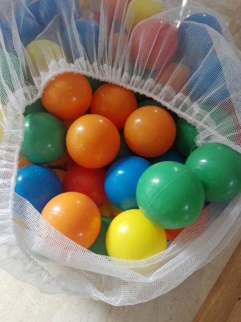 Worek pilek plastikowych kulki roznokolorowe 100 sztuk