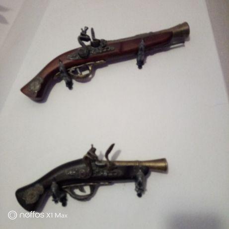 Pistolas antigas