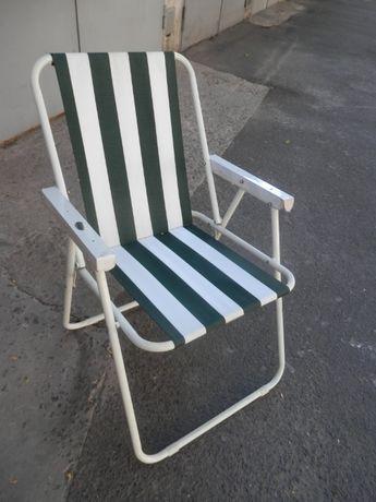 стул-кресло складывающееся для пляжа или дачи.