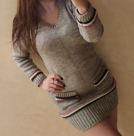 Вязаное платье, очень теплое и стильное.