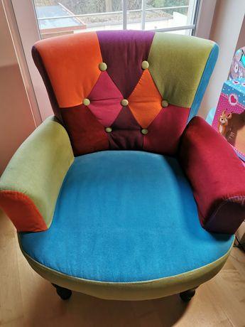 Bajeczny fotel a la chesterfield