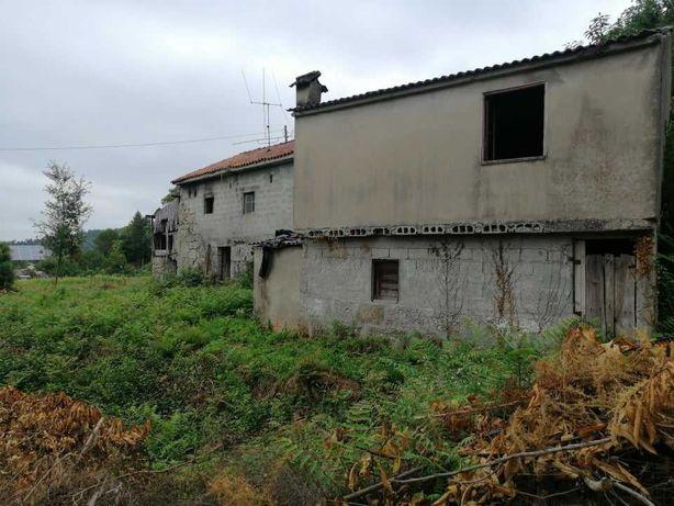 Casa para restaurar com terreno (souto são salvador)