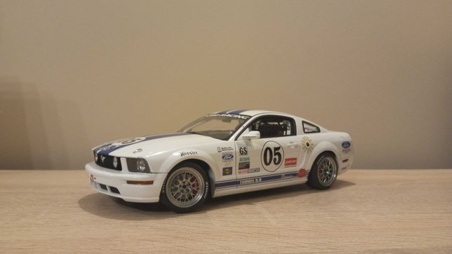 Ford Mustang FR500C 2005 #05 Autoart 1:18