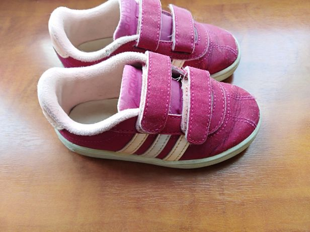 Oryginalne buciki adidas 23