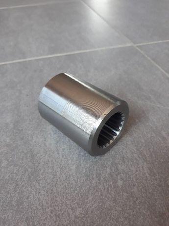 Łącznik wału Kemper LCA70165 tulejka Z21 przystawki sieczkarni Claas