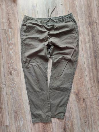 Spodnie meskie Reserved 34 khaki joggery na gumce wiązane