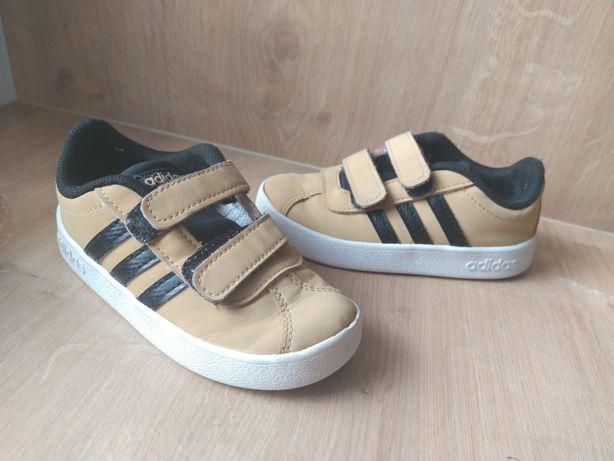 Buty Adidasy chłopięce 24