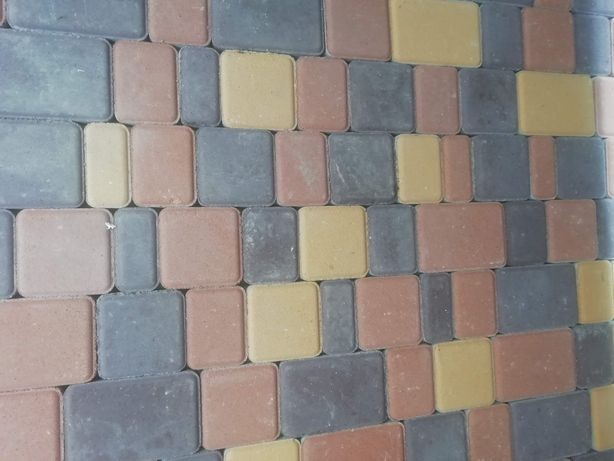 Укладка тротуарної плитки Лосятин