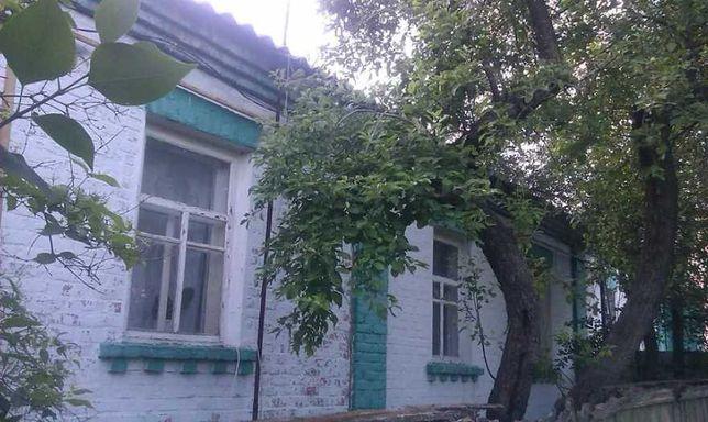 Продам 1/2 часть дома в сельской местности, с. Петровское.