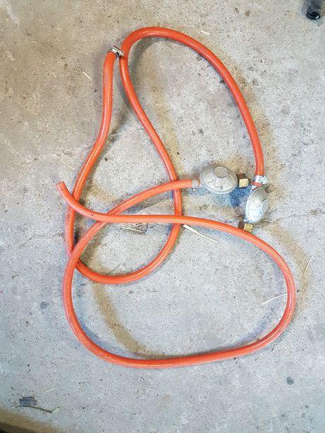 Reduktor z wężem do gazu