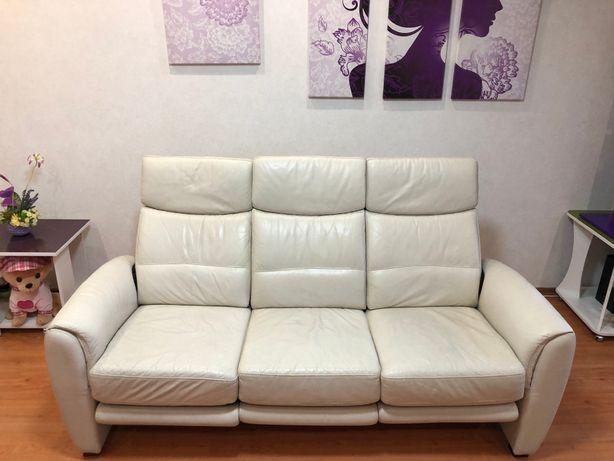 Кожаный диван реклайнер с электро приводом Германия