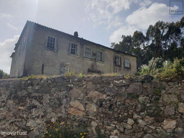 Quinta com 10.000 m2 a 20 km do Porto