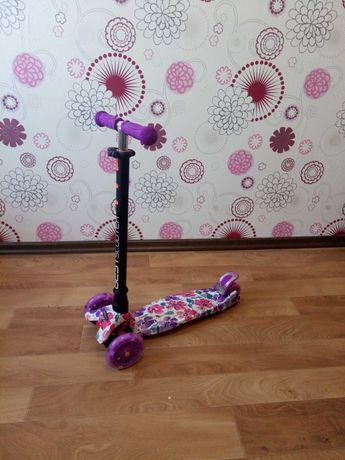 Самокат трехколесный детский Best Scooter Maxi с подсветкой колес