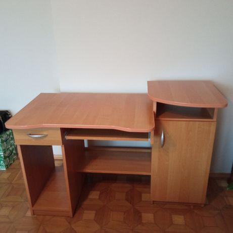 Biurko pod komputer