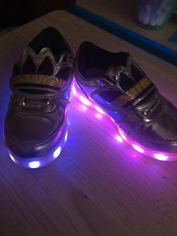 Кроссовки, туфли, мокасины, слипоны с подсветкой 26р, 16см.