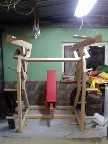 Urządzenie 3 funkcyjne do treningu klatki barków i pleców