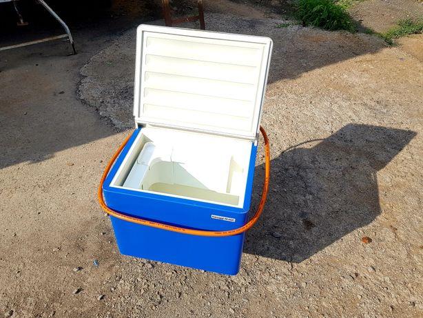 Продам переносной туристический автомобильный холодильник Tristar