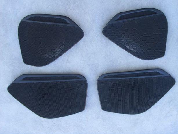 Maskownica,osłona głośników Audi A 4 B 9