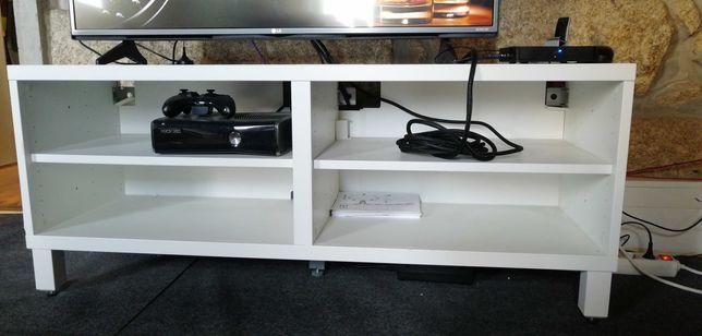 Mesa para TV Ikea