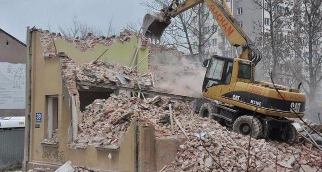 Wyburzenia budynków rozbiórki usługi koparka wywóz gruzu transport