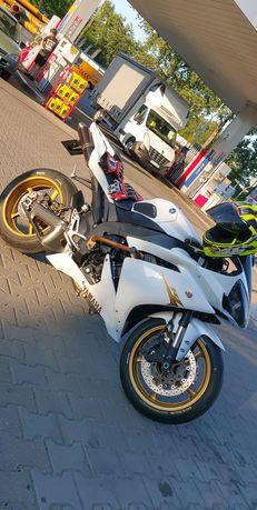 Yamaha r1 rn19/20