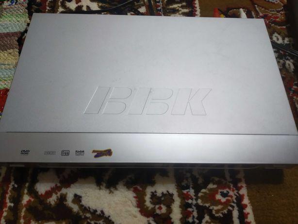 Продам DVD-плеер караоке BBK