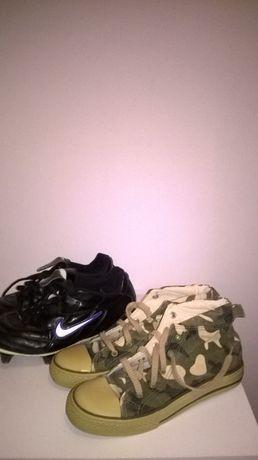 2 pary butów sportowych