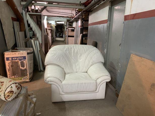 Fotele skórzane 2 sztuki, białe, duże, skóra bydlęca