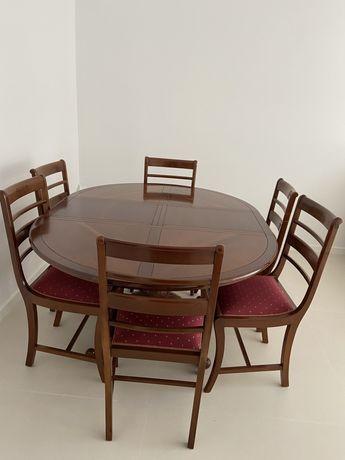 Mesa de jantar em cerejeira vintage  com 6 cadeiras marca registada