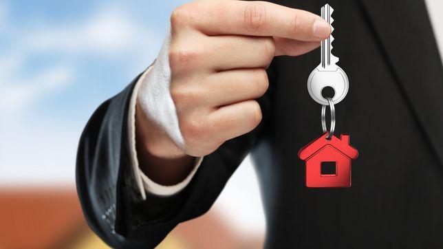 Послуги агента с ( купівлі-продажу) нерухомості та землі
