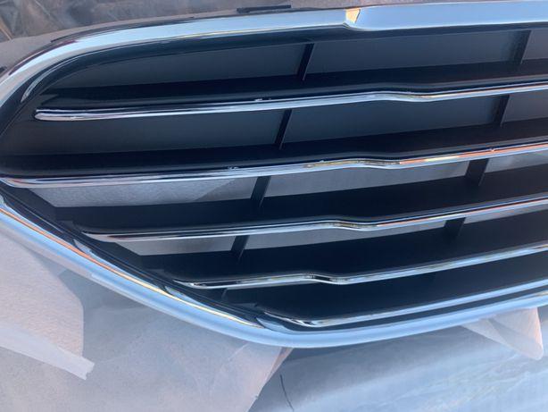 Решетка Ford Fiesta focus