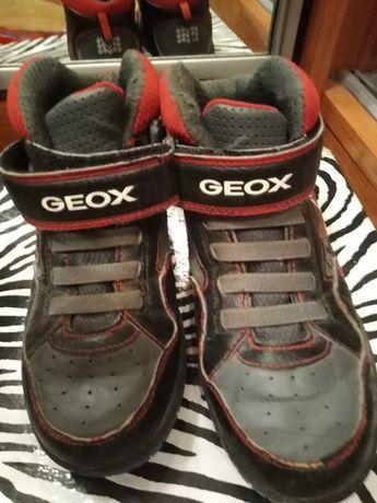 Хайтопы ботинки Geox 33 размера светятся при шагах