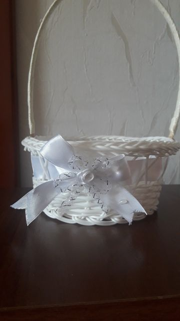 Свадебные корзинки. Белые 3шт. Голубые 2шт.